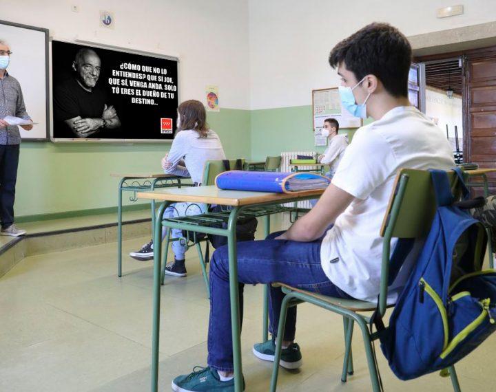 La Comunidad de Madrid sustituirá a los profesores de refuerzo no renovados por carteles con frases motivadoras de Paulo Coelho